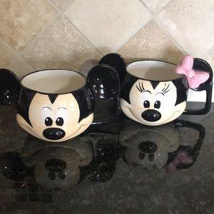 Mickey and Minnie mugs Disney new set
